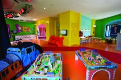 ThomasPlayRoom_LR